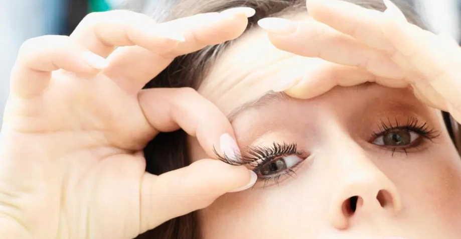 clean fake eyelashes